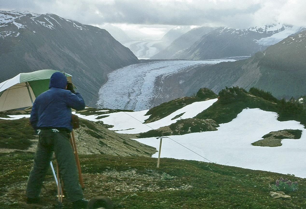 Life in the Arctic under geocupol